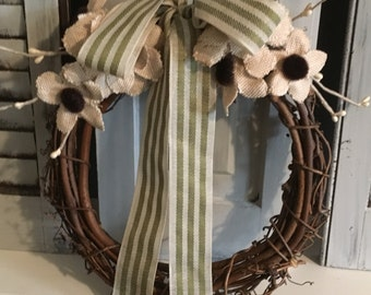 Small wreath with cream flowers
