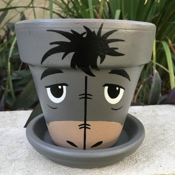 Eeyore inspired hand painted flower pot - Decoration avec des pots de fleurs ...