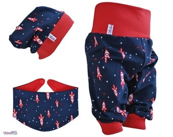 Baby set 3pcs. consisting of bloomers Beanie triangle towel in dark blue-red with rockets and stars