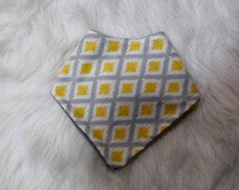 yellow and grey diamonds