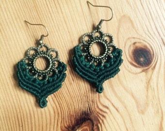 macramé earrings dark green ~ macrame earrings garl green
