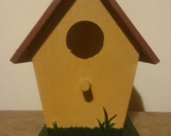Brick Roof Birdhouse