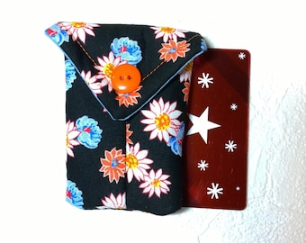 Cute Flowers Fabric Business Card Pouch / Credit Card Pouch / Gift Card Holder
