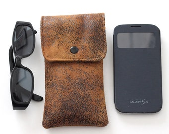 Case for smartphone or glasses in faux leather furniture light brown and Liberty
