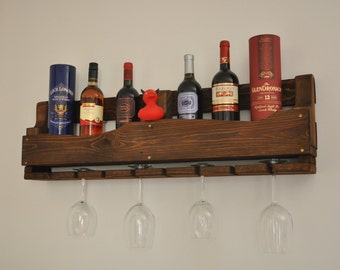 Wine rack with glass holder out of pallet wood