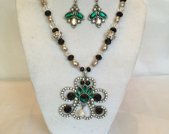 Elegant Emerald Jewelry Set