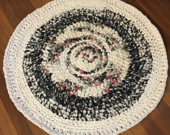 Made in Australia Crochet rag rug made from up cycled sheets. Size 95cm JodzRags2Rugs