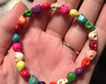 Multicolored Skull stretch bracelet