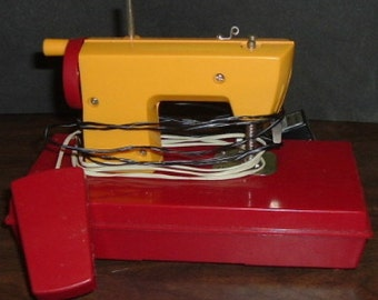 Vintage MISS DURHAM Electric/Battery Operated Sewing Machine