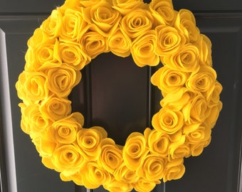 "16"" yellow rose wreath"