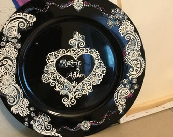Henna charger plate