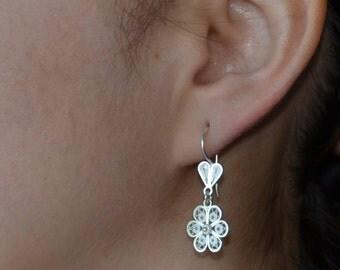 Flower filigree silver earrings