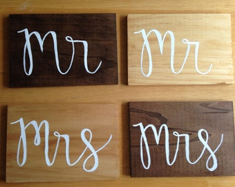 Mr and Mrs wood sign for wedding decoration on table or chairs (1 pair)