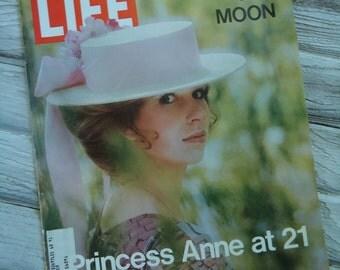 1971 Princess Anne Life Magazine - Princess magazine - Old Life Magazine - Retro decor - Princess - Pink decor - Princess Anne - White hat