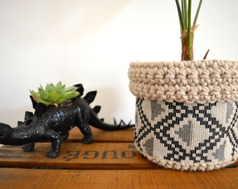 Cache pot ethnic chic fabrics and hook basket