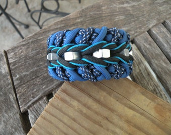 Custom paracord hex nut bracelet