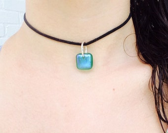 Green iridescent dichroic glass pendant choker