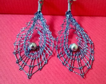 Bobbin lace jewelry
