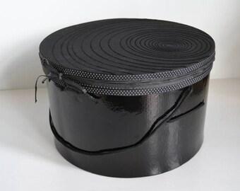 Round hatbox