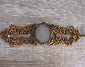 Macrame Bracelet with White Agate Deat stone