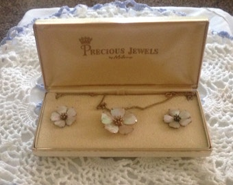 Vintage Precious Jewels Necklace and Earrings