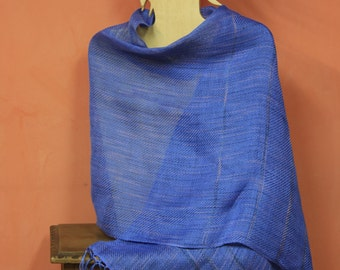 Manual loom-woven linen shawl