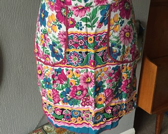 Vintage floral waist pinny