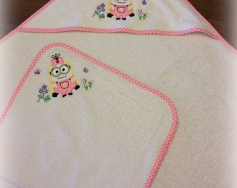 Baby set, bathrobe and towel embroidered.