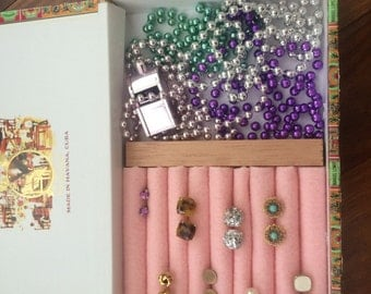Cigar Box Jewelry Holder, Compartments