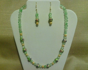 219 Antique Style Green Cloisonné and Gold Tone Metal Filigree Beaded Choker with Green Crackle Glass