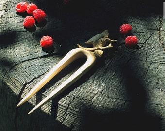"Hair stick ""Raspberries"""