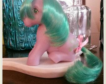 Gorgeous Seashell G1 Sitting My Little Pony