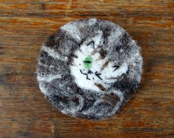 Felted Cat Brooch - Tabby Cat Brooch - Needle Felted Brooch