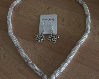 Beaded necklace and earing set