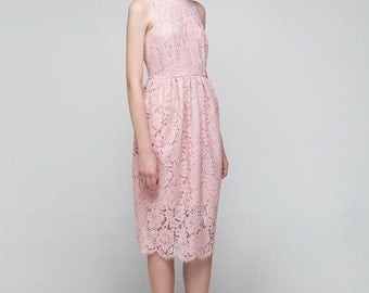 Dreamy lace pink dress