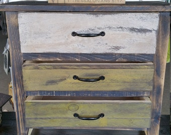 Beautiful 3-Drawer Dresser