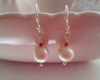 Pearl Earrings with Garnet