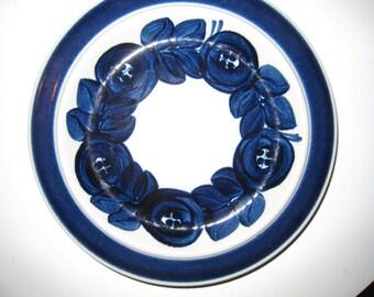 Arabia Anemone - lunch plate