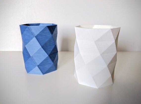 Polygonal vase [D]-3D printed