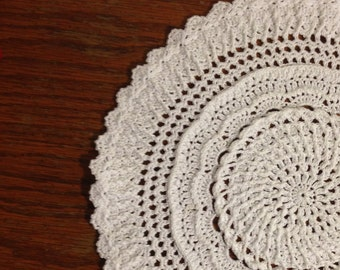 Country Grace Round Doily