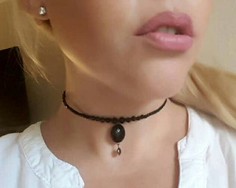 Girl you can be clasp-less in a black choker