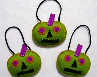 Halloween appliquéd felt Freaky Pumpkin tree ornament set