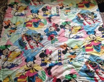 Vintage Disney Minnie Mouse Comforter