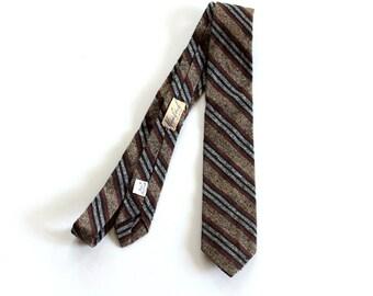 vintage brown black gray striped necktie . nubby silk mens tie by beau Brummell . 1940s 50s skinny tie