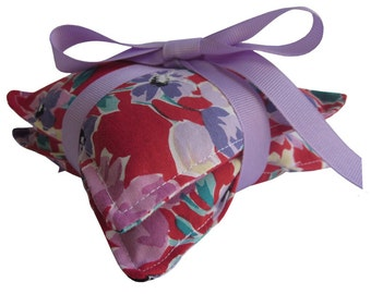 Lavender Sachet Pair, Vintage Red Floral Fabric Tied with Lavender Grosgrain Ribbon