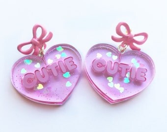 Cutie Conversation Valentine Heart earrings pink