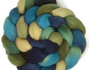 Handpainted Targhee Wool Roving - 4 oz. BLUE EYES- Spinning Fiber