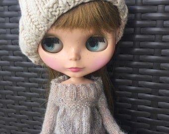 Babydoll sweater for Blythe-silver grey