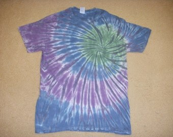 M tie dye tshirt, earthy swirl, medium