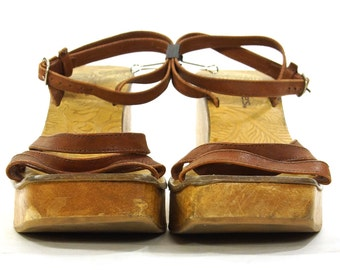 90s Platform Sandals / Vintage 1990s Wooden Wedges / Strappy Leather Open Toe Clogs by Candie's / Hippie Boho Club Kid / Women's Size 7
